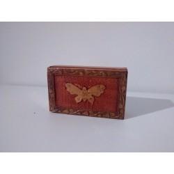 Caja de madera mariposa vintage