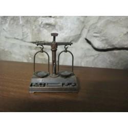 Sacapuntas antiguo, miniatura balanza EMB